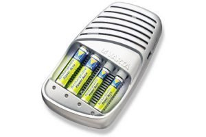 Varta Schnellladegerät + 4St AA 2100mAh NiMH Batterien